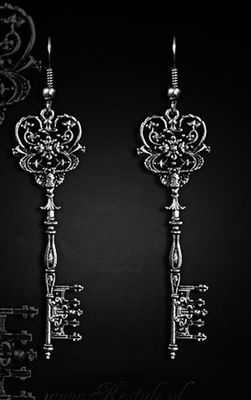 Restyle Gothic Key To Wonderland Earrings