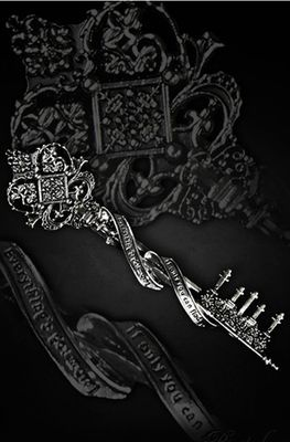 Restyle Gothic Key To Wonderland Hair Slide